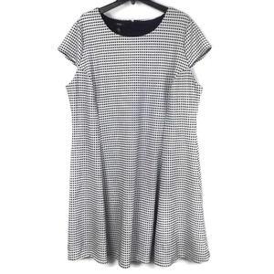Alfani Fit & Flare Black & White Dress Sz 24W Plus